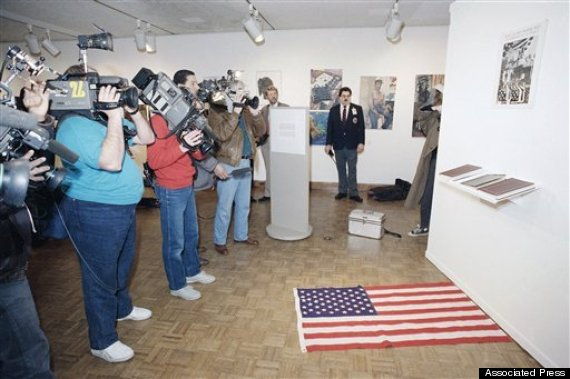 Protests  US  1989     Illinois    Chicago    Art   Flag